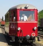 Selfkantbahn/136083/der-t13-wartet-fuer-die-letzte Der T13 wartet für die letzte Fahrt des Tages auf neue Fahrgäste.